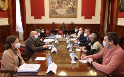 El Concello de A Coruña aplicará cláusulas sociales en los contratos de limpieza municipal